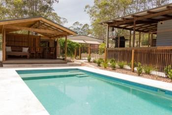 Pepper Tree pool and cabana
