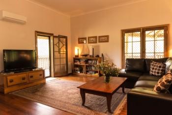 Hunter Escapes lounge room...